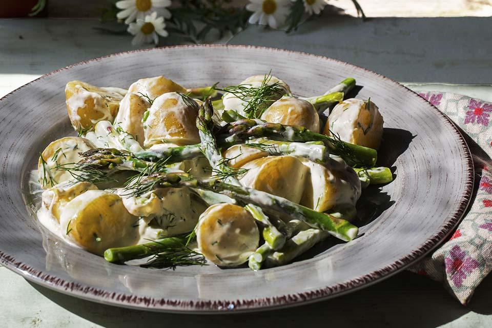 potetsalat-med-asparges-og-dill